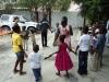 Rose-Andrée fait chanter les enfants